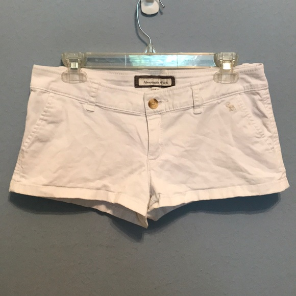 Abercrombie & Fitch Pants - White shorts